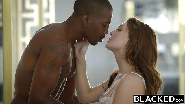 مشابك الغسيل على تحميل افلام جنس اجنبي الثدي الجمال هذا يبدو رائعا