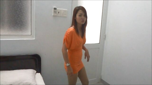 اثنين من مثليه الفتيات يلهون مع الجنس ولعب أفلام أجنبية سيكس اطفال